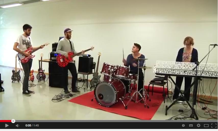 Das erste Live Konzert einer Band mit Maker-Musik-Geräten